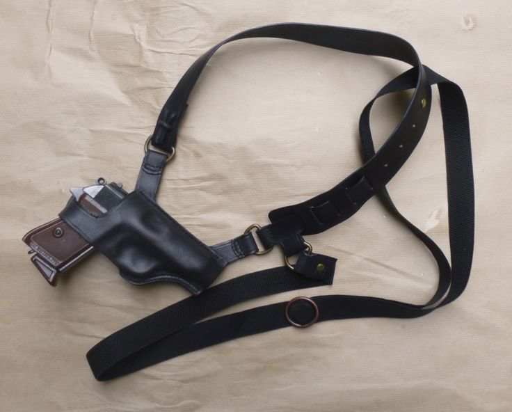 Deluxe cutaway model of the makeitjones replica Spectre shoulder holster for Walther PP & PPK in Black leather. Every item handmade to order from www.makeitjones.co.uk