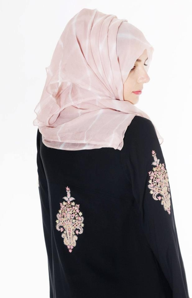 Latest Abaya designs for muslim girls .www.ozyle (23)