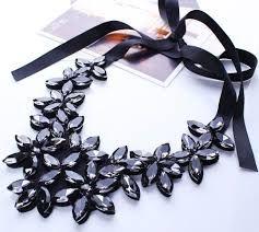 Картинки по запросу цветочное ожерелье в высокой моде
