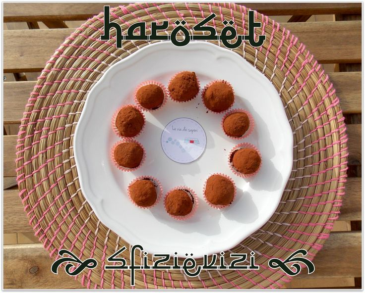 http://sfizievizi.blogspot.it/2014/06/haroset-moroccan-truffles-with-dates.html