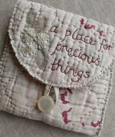 A place to keep your precious things safe....you could have a chance to make something like this on my next workshop....   Ke...