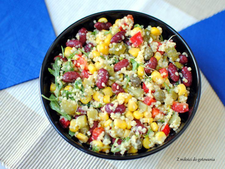 Kolorowa sałatka z kaszą jaglaną