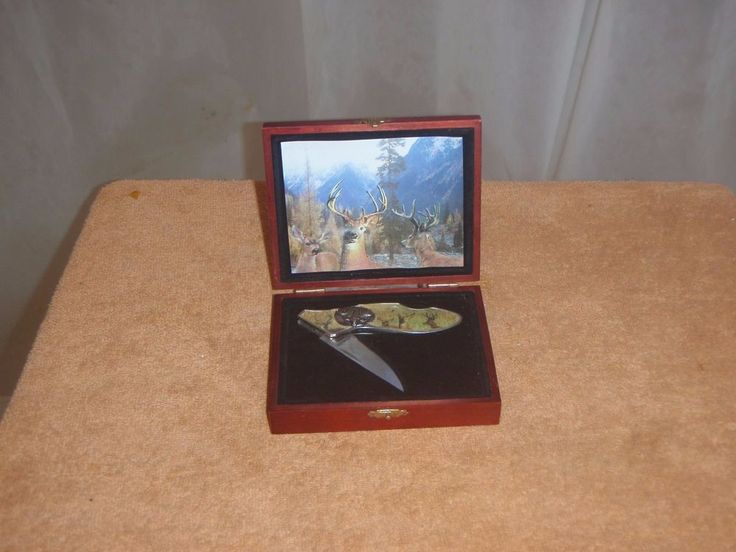 COLLECTIBLE FOLDING KNIVES  Personalized Wildlife Collector's Knives #budk
