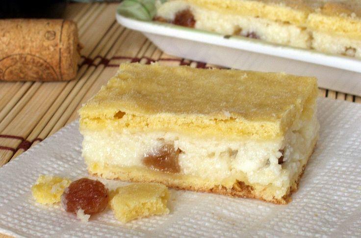 Habkönnyű vaníliás-citromos töltelék omlós tésztában, a legfinomabb túrós pite