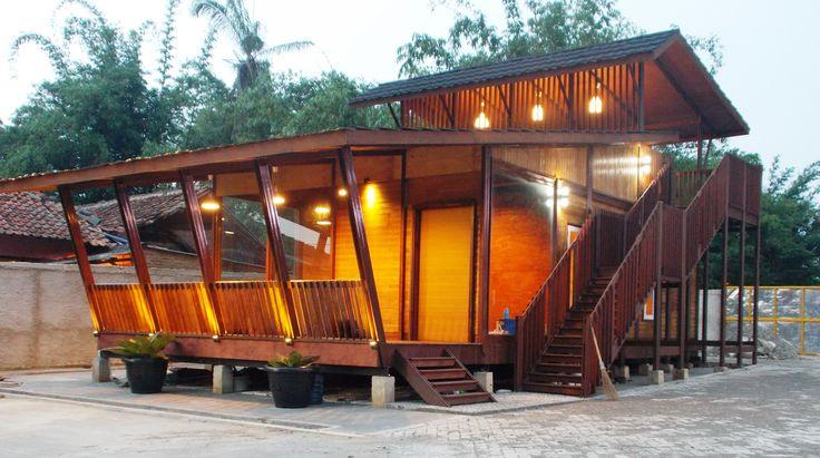 Rumah kayu di sempur