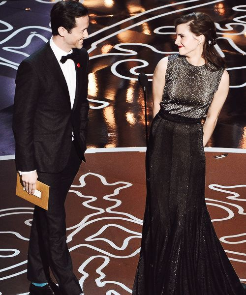 joseph gordon levitt dating emma watson Who is the wokest bae joseph gordon-levitt on the other hand how could he not be a feminist after all those years working alongside emma watson.