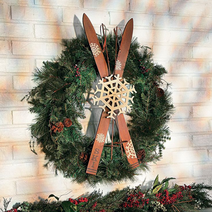 276 best christmas 2015 images on pinterest christmas for Ski decorations for home