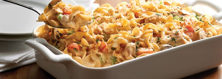 Chicken Noodle Casserole – A comforting and delicious casserole featuring chicken, veggies, tons of cheese and of course always smooth, firm and delicious No Yolks noodles.