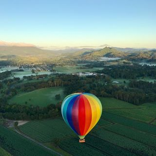 Looking for fun activities and interesting things to do in Byron Bay? Our hot air balloon flights are a great tourist attraction for all ages.