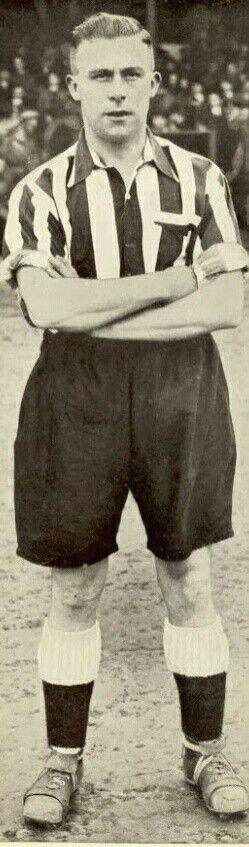 Freddy Howe of Grimsby Town in 1938.