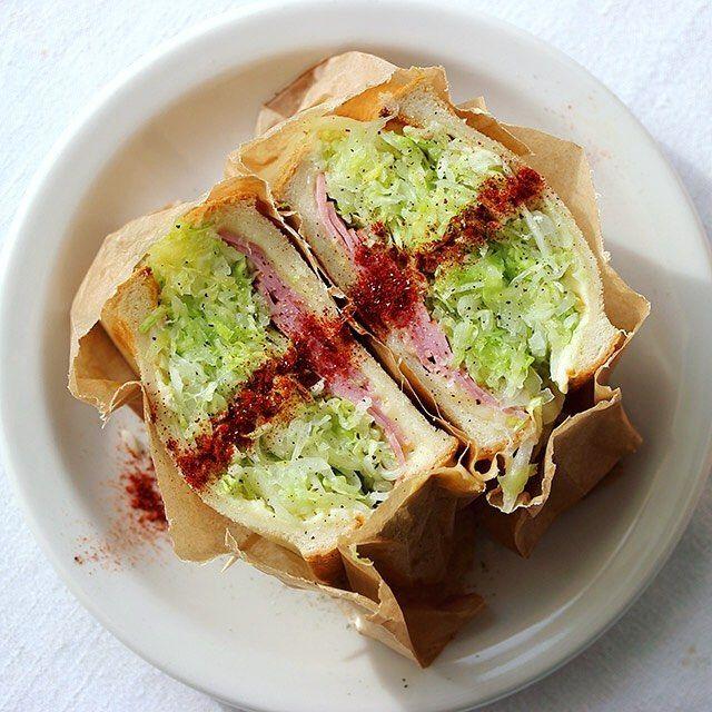 """5,393 Likes, 9 Comments - Masaki Higuchi (@higuccini) on Instagram: """"sandwich おはようございます。今朝はキャベツたっぷりでシンプルな沼サン。今週分のひと仕事を終えて冷蔵庫がからっぽすぎて気持ちいい😋 #サンドイッチ #沼サン #萌え断 #熊本野菜…"""""""