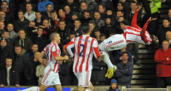 Stoke 3-1 Liverpool - Kenwyne Jones celebrates in style after heading Stoke in front #soccer #sports