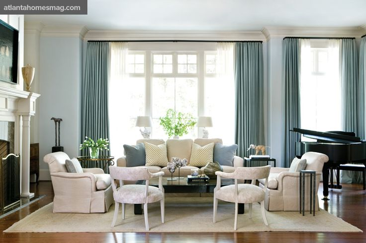 blue + cream living room by Phoebe HowardDecor, Living Rooms, Livingroom, Phoebe Howard, Colors Palettes, Painting Colors, Families Room, Windows Shades, Pictures Perfect