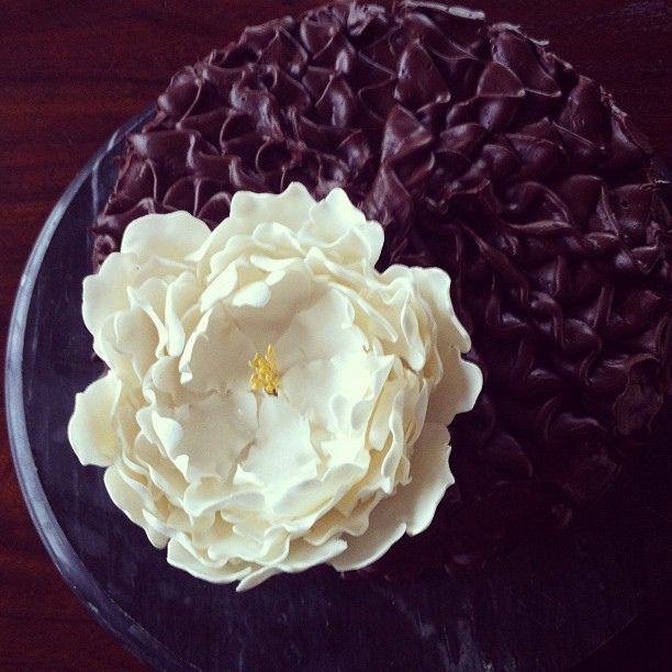 Cake With Fondant Peony : 38 best images about French first birthday party on ...