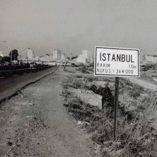 Topkapı... İstanbul'un girişi. (1950'li yılların başı) (1950'li yılların başı)