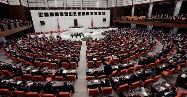 15 Temmuz Darbe girişiminin 'siyasi ayağı' için komisyon önergesi AK Parti oylarıyla reddedildi
