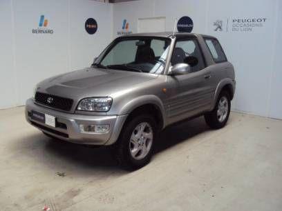 Voiture occasion  à Bourg en Bresse // Acheter une Toyota Rav4 2.0 VX 3p occasion de 1999 au prix de 5490 euros