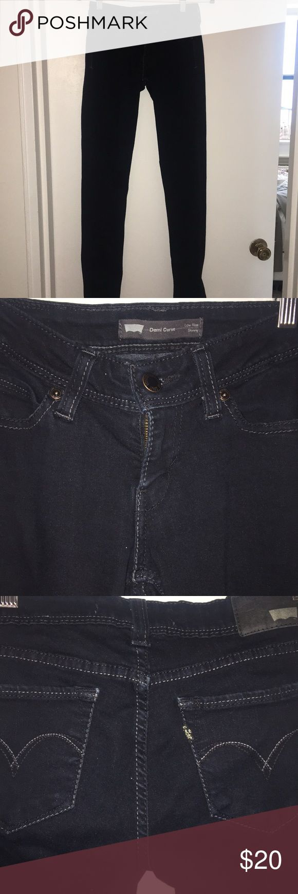Levi Demi Curve Skinny Jeans Levi Demi Curve Skinny Jeans Women's size 3M Low Rise Skinny Jeans Soft and broken in but nothing wrong with them. Great quality Jeans. Price is negotiable, make an offer! Levi's Jeans Skinny