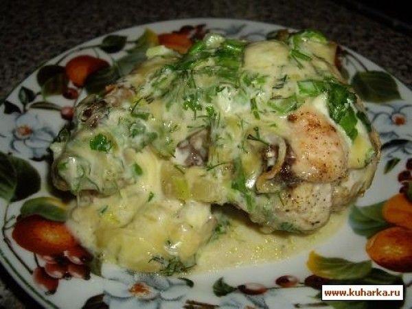 Курочка запеченая с ананасами под сливочно-сырной корочкой