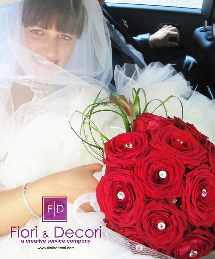 wedding red roses