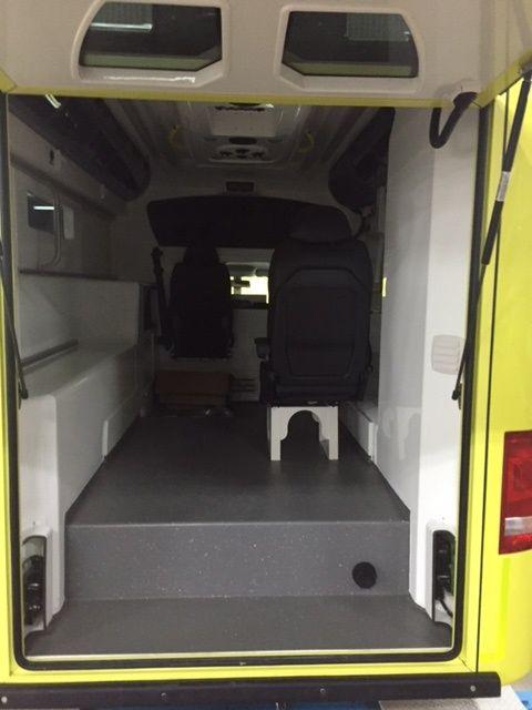 Volkswagen Amarok Ambulance voor Terschelling. New ambulance for Terschelling, Netherlands. Read the article (in Dutch): https://www.ambulanceblog.nl/volkswagen-amarok-ambulance-voor-terschelling/