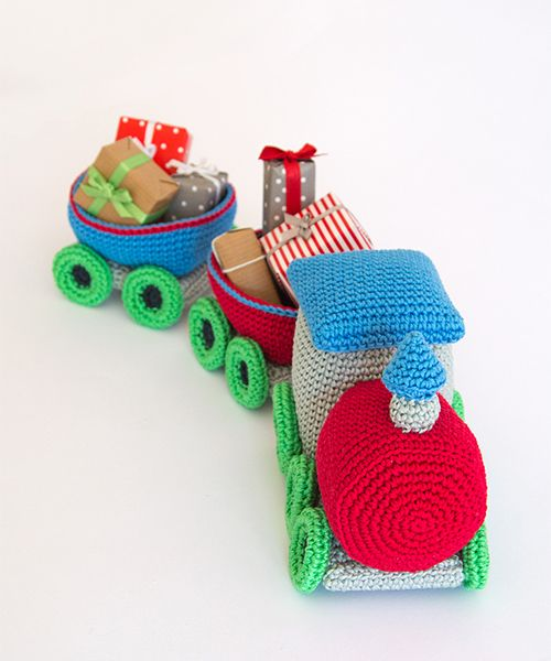 Amigurumi Winter Wonderland - Christmas train