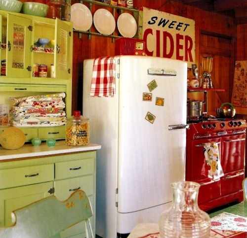 146 best images about vintage kitchen ideas on pinterest for Retro kitchen ideas pinterest