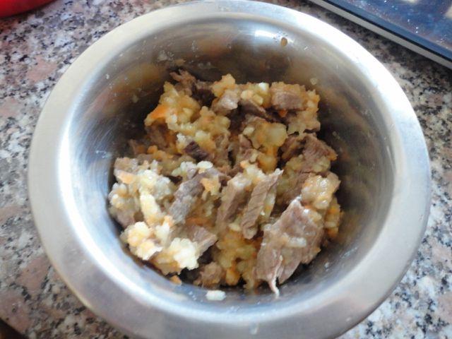 Cavallo, patate e carote (per cani) - http://www.food4geek.it/ricette/cavallo-patate-e-carote-per-cani/