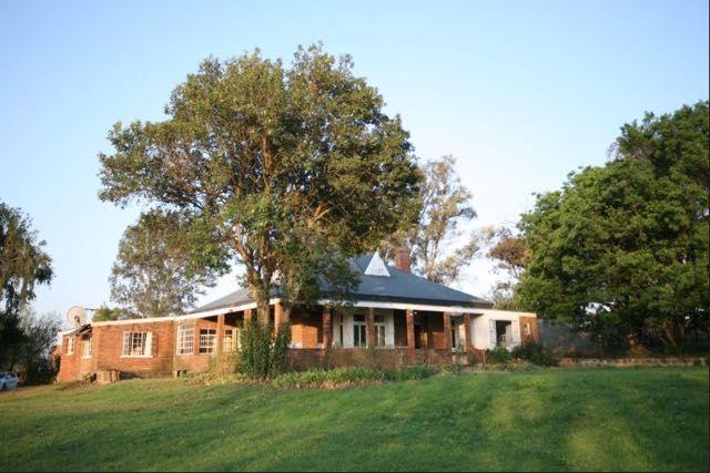 Glenside Farmhouse, self-catering accommodation on working farm in Winterton, Drakensberg. Where2Stay!