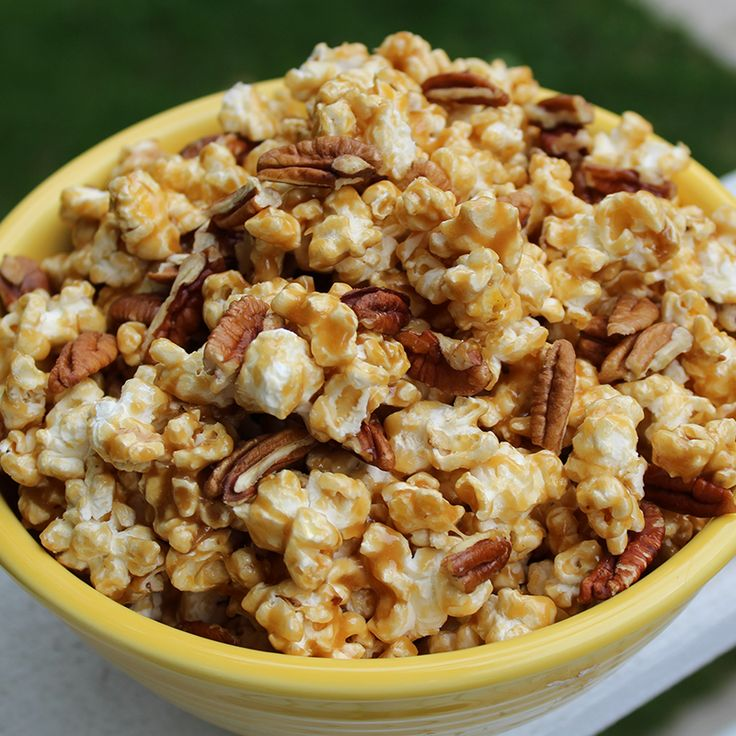 Delicious and easy Butter Pecan Popcorn recipe from Kernel Season's. This recipe is quick to make and FULL of Butter Pecan flavor.