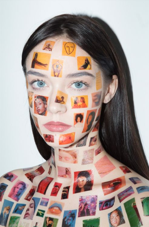 Reblog / Collaboration / John Yuyi / Elizabeth Jane Bishop / Girl / Generation Z / Gen Z / Stickers / Colors / Messages