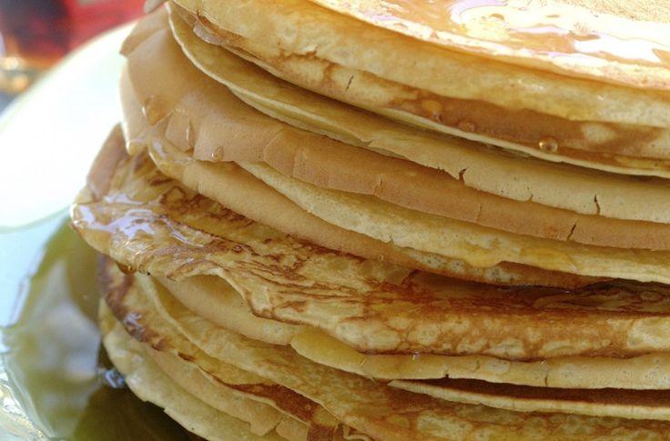 Pannekaker er middagsfavoritt nummer én i de fleste barnefamilier. Pannekaker kan serveres til middag med blåbærsyltetøy, stekt flesk eller en stuing. Like godt smaker det med varme pannekaker med sukker, is eller flamberte pannekaker til dessert.
