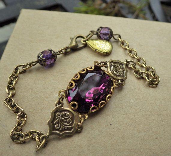 Un Style édouardien ~ améthyste ~ Purple Bracelet ~ Style Vintage ~ verre…