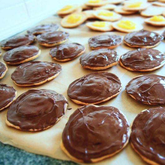 Homemade vegan jaffa cake recipe!