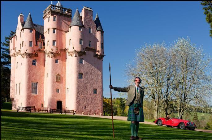 Au cœur des Grampians et injustement tenu à l'écart des sentiers battus Craigievar Castel est un décor de conte de fées.