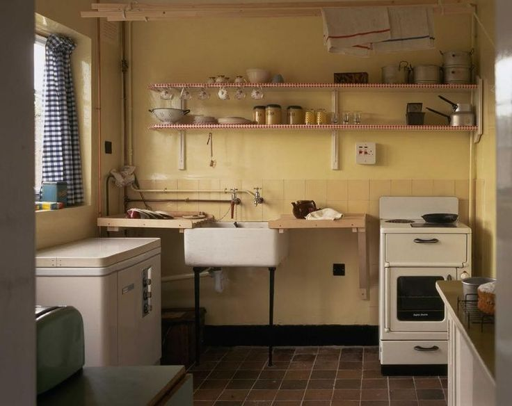Paul McCartney's childhood kitchen (1955-1964)