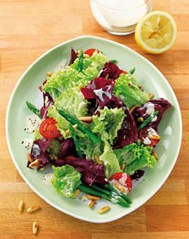 Salat mit Spargel und Sherry-Dressing