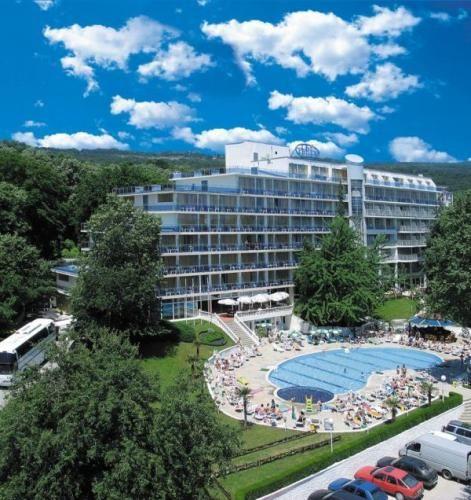 Bułgaria - Złote Piaski Hotel Perla 3* HB wylot jutro z POZ 1099PLN/os.:)  #bulgaria #wakacje #vacation #relax #poznan #zlotepiaski #wypoczynek  www.BiznesITurystyka24.pl