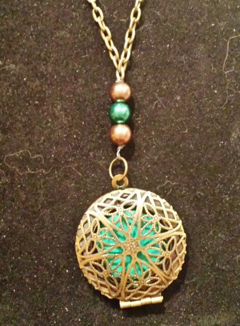 Diffuser jewelry to use with essential oils. Doterra, young living. Affordable aroma therapy.  https://www.etsy.com/listing/222354025/diffuser-necklace-antiqued-bronze