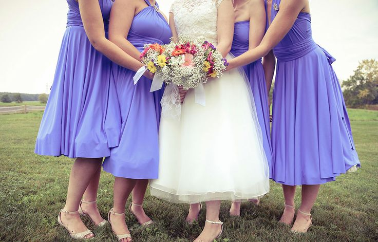 Vintage style bridesmaids dresses | Stunning vintage wedding photography by www.newvintagemedia.ca