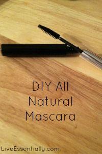 Recette pour faire ton propre mascara, tout naturel : 2/3 d'huile de coco (chauffée pour être liquide) mélangée à 1/3 de charbon actif - DIY All Natural Mascara with only two ingredients!   Live Essentially