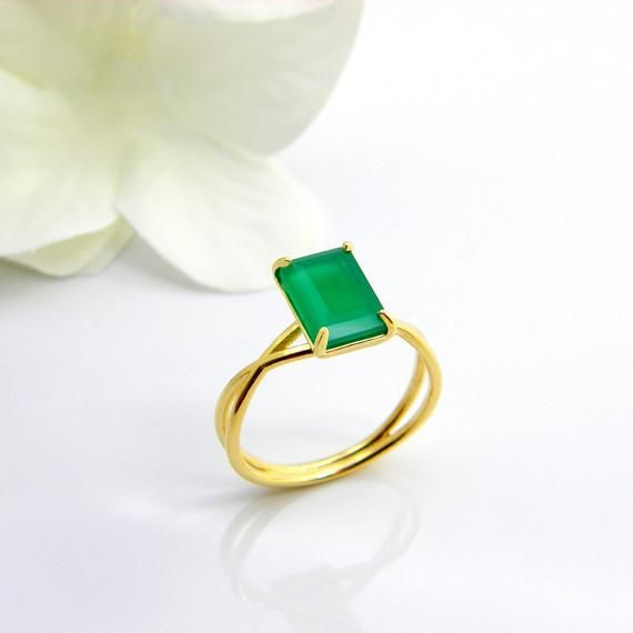 02e31141b04b1 Emerald birthstone ring gemstone jewelry for women cocktail ring ...