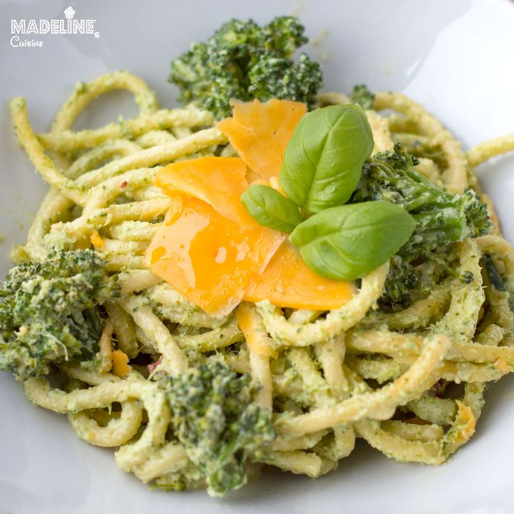 Paste cu broccoli si smantana / Broccoli creamy pasta