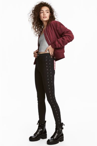Твиловые брюки со шнуровкой Модель