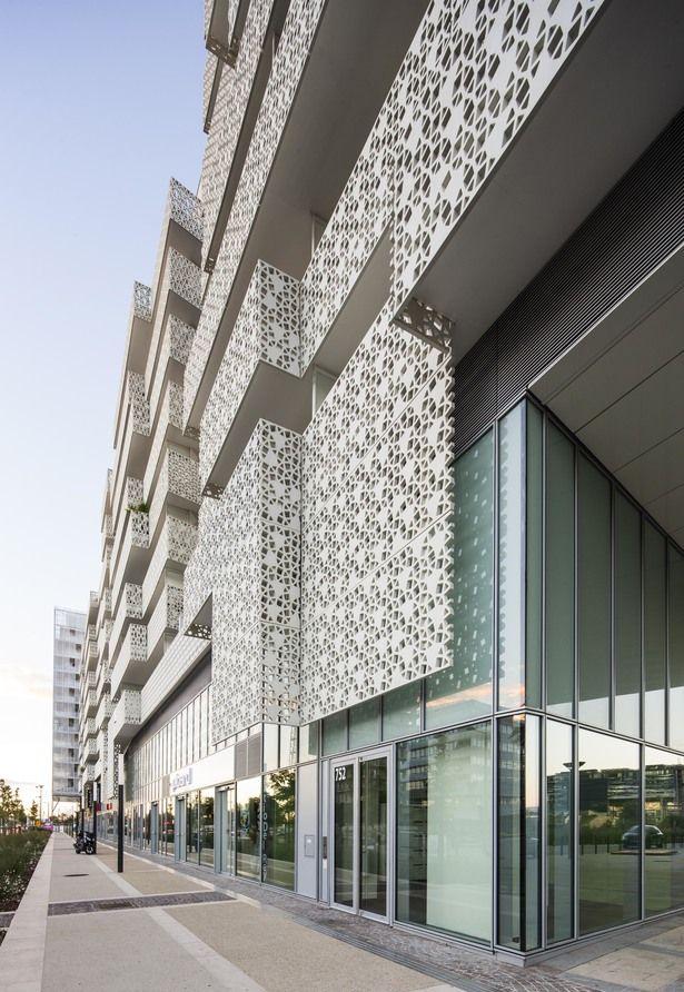 La Mantilla Real Estate Complex | Jacques Ferrier Architecture; Photo: Luc Boegly | Archinect