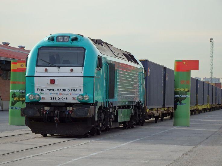 Llegada a Madrid-Abroñigal del primer tren de mercancías directo desde C...