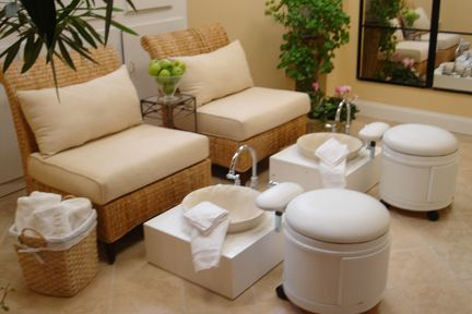 Toscana European Salon & Day Spa @ 231 Newbury St : Lovely pedicure stations