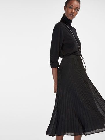 Autumn winter 2016 null´s PLEATED KNIT SKIRT at Massimo Dutti for 399. Effortless elegance!