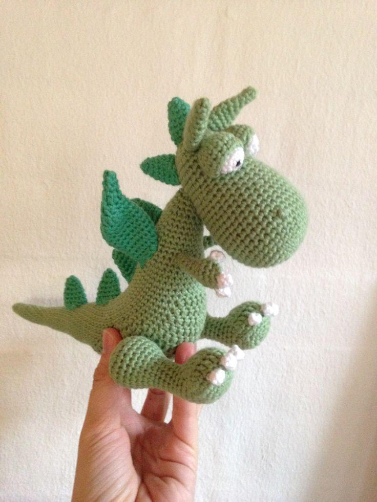 """Hæklet drage - opskrift fra """"hæklet legetøj"""" af Maja Hansen  ~~~~~~~~~  Crochet dragon"""