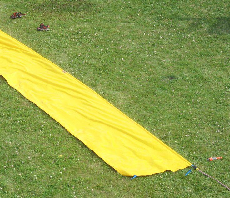 Peau de banane tapis d 39 eau glissade back in the days for Glissade eau interieur